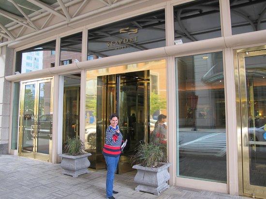 Seaport Boston Hotel : Entrada