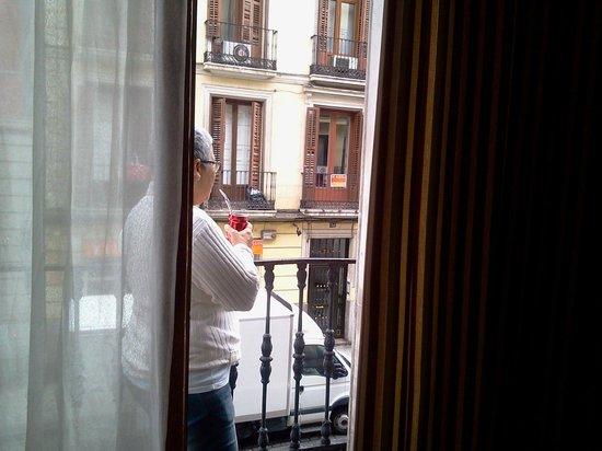Hostal Martin: Balcon de la Habitación