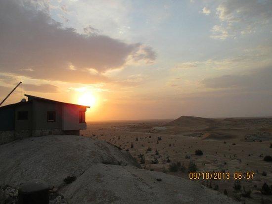 Desert Breeze Lodge: Sunrise