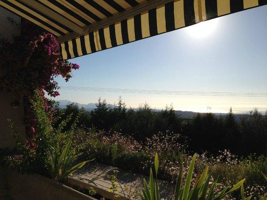 Maison d'Hôtes Bleu Azur : Views from the breakfast terrace