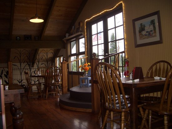 The Greenbank Grille: Cozy