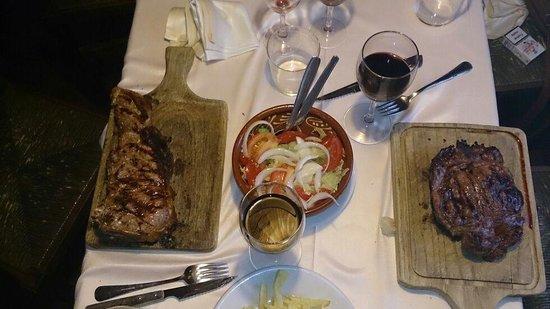 Restaurante El Rancho: Chuleton y solomillo. Maravillosos...