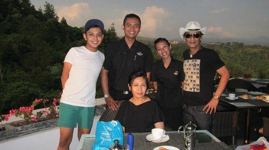 Padma Hotel Bandung: Agung and Rani