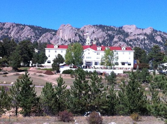 Stanley Hotel: Beautiful mountain hotel
