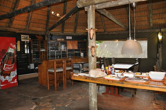 AmaZulu Lodge: Don't forget to ask for the cheese puffs and the sausage