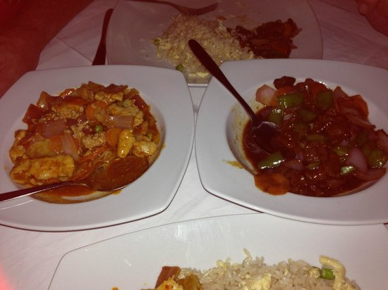 Red Dragon Pefkos: Honey beef and Chilli Chicken