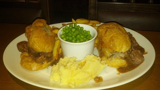 The Steam Wheeler: Steak & Ale Pie