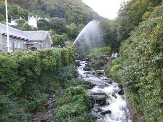 Hillside House: Hydropower at Lynmouth