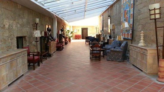 Parador de Ciudad Rodrigo: Parador Ciudad Rodrigo Hall Lounge
