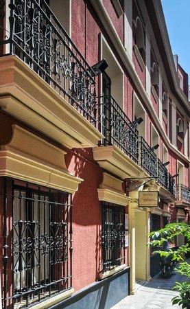 Fachada Hotel Murillo