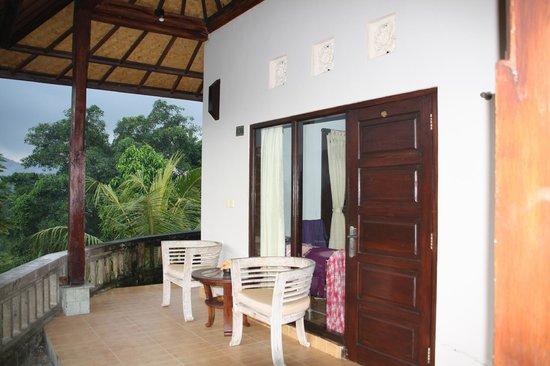 Uma Agung Villas: Kamer voorzijde