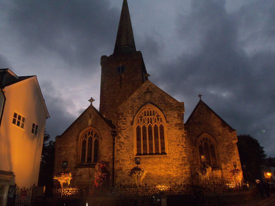 Guided Tours Wales: St. Mary's Church, one of largest Catholic parish in Wales