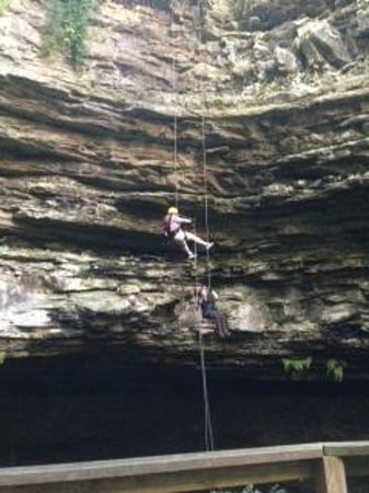 Hidden River Cave and American Cave Museum: Rappelling