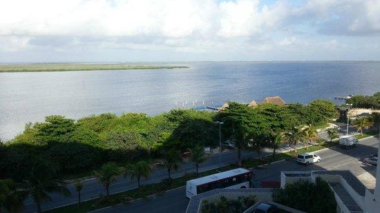 Sun Palace: vista da lagoa ao sair da suite