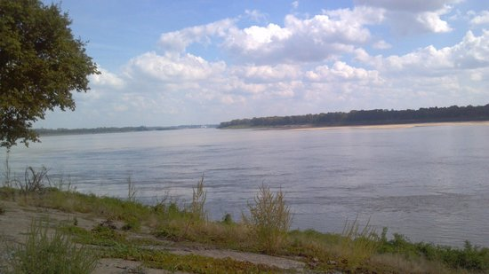 Tom Sawyer's RV Park : Mississippi River