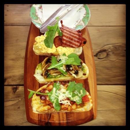 The Bridport Cafe : breakfast bruschetta