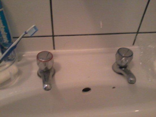 Chelsea Guest House: rubinetti separati