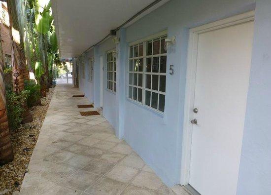 751 Meridian Apartments: rez de chaussée