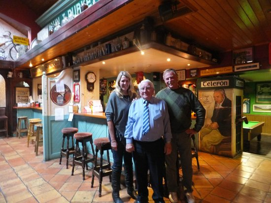 Burkes Bar and Restaurant: Mr. Burke with us in his bar.