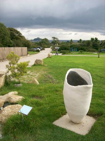 Tremenheere Sculpture Gardens: Views over to St. Michael's Mount
