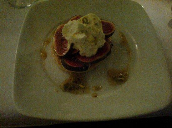 The Oak Bistro : Dessert with pistachio and honey cream