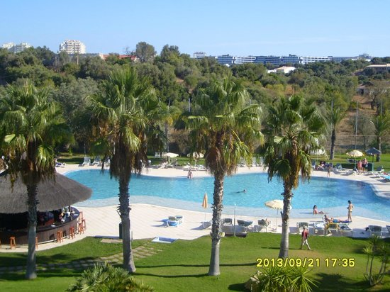 Yellow Alvor Garden: Great Pool but cold