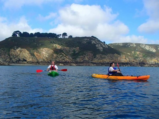 Outdoor Guernsey: Kayaking at Petit Bot, Guernsey