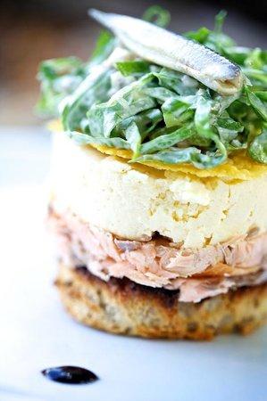 The Lamb Inn: Hot smoked salmon starter