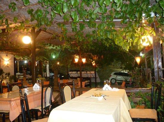 Oasis Restaurant : Interior.