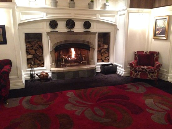 The Killarney Park Hotel : One of the sitting rooms off the lobby