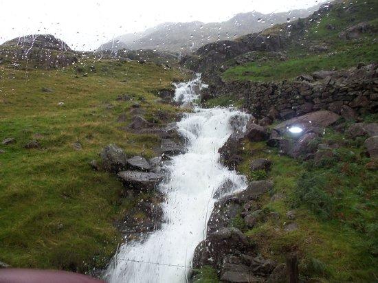 Snowdon Mountain Railway : magnificient waterfall
