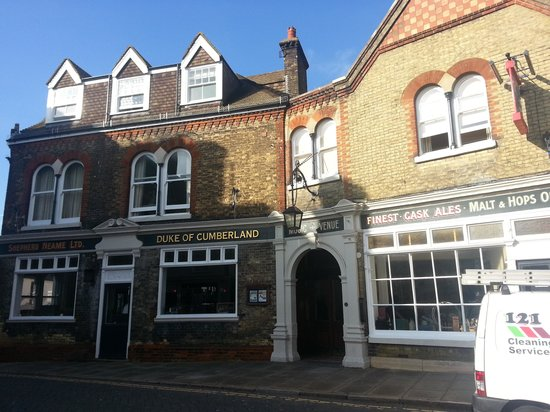 The Duke Of Cumberland Hotel: Our room was the second pair of windows from the left on the first floor.