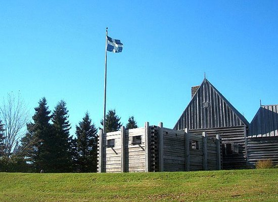 Port-Royal National Historic Site: Entrance to the fort with the flag proudly flying