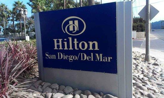 Hilton San Diego/Del Mar : sign