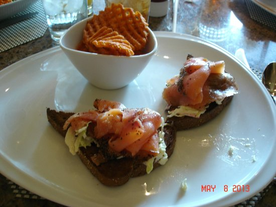 Raffles Cafe : My $16 toast