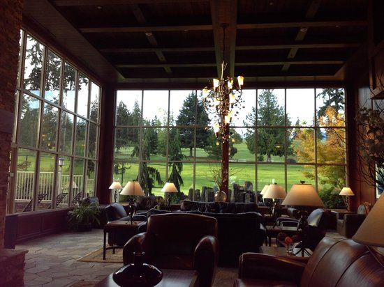 Olympic Lodge: Main Lobby