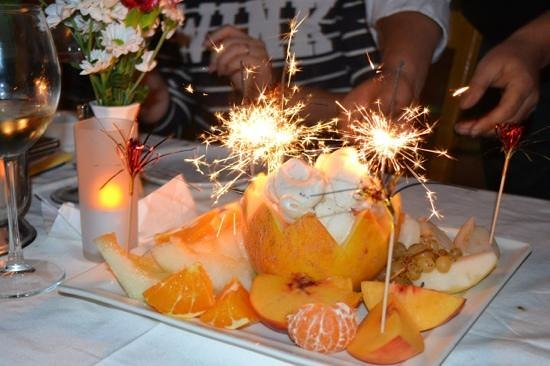 Saray Restaurant : meyve tabagi (фруктовая тарелочка)