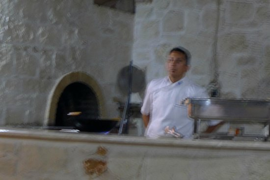 Blue Aegean Hotel & Suites : the chef (my kid taking the photo did not press the flash button..)