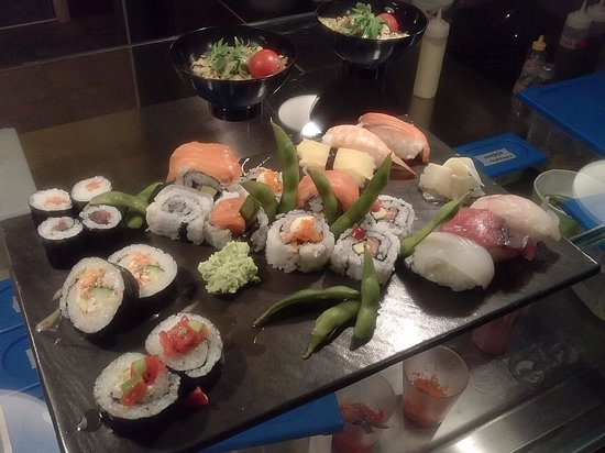 Hoshy Sushi Lab : il sushi mix da 22, tantissimi gusti su di un solo piatto!!