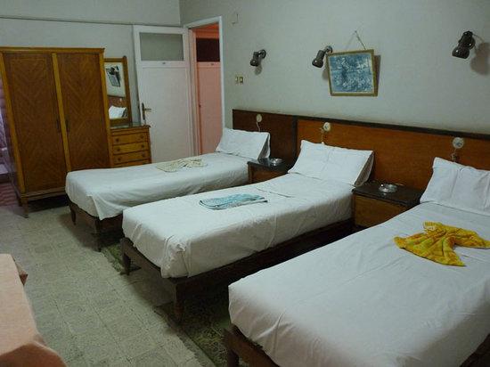 El Salam Hotel : Triple Room 207, with en suite bathroom