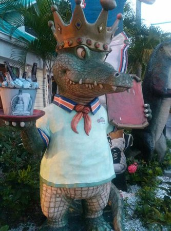 Gators Cafe & Saloon: See you later alligator!  He greets you out front.