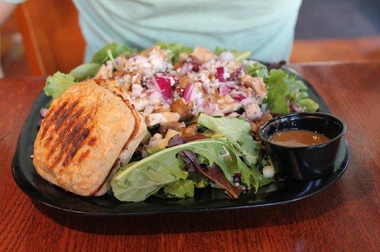 Cafe Soleil : Chicken salad