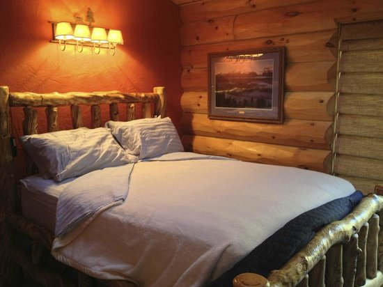 Sunburst Lodge Bed and Breakfast : the amazing bed!