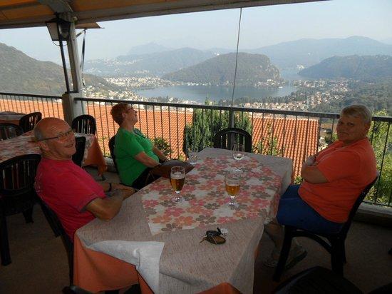 Albergo Ristorante Stampa: zicht vanop terras