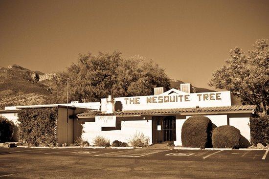 Mesquite Tree Restaurant: Quaint, Rustic Restaurant nestled at the base of the Huachuca Mountaints