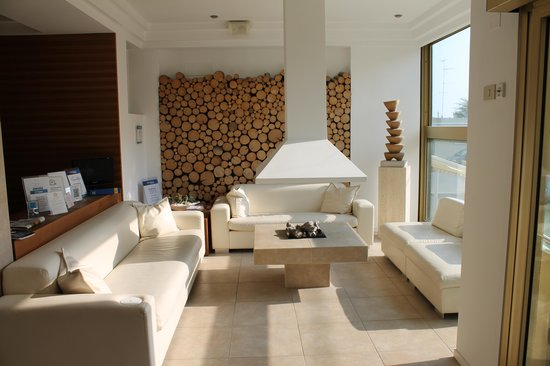 Ambienthotels Panoramic: Sitzgruppe neben Lobby und Bar