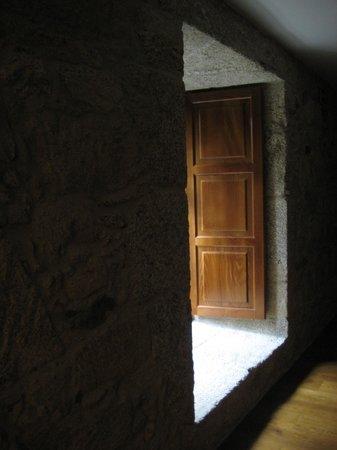 Hotel Spa Relais & Chateaux A Quinta da Auga: corridor- window to garden