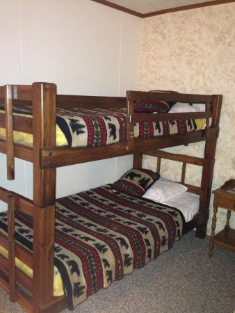 Big Bears Lodge: Bunk beds