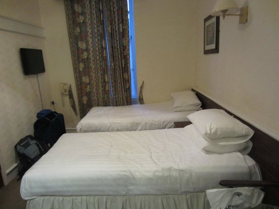 Cairn Hotel Edinburgh: Habitación doble