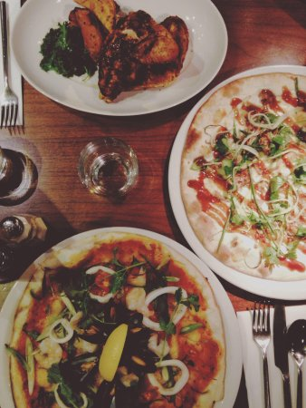 Felicini: Seafood pizza / duck pizza / chicken with sweet potato